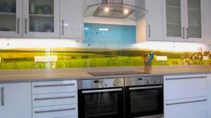 Cozinha Revestida em Vidro Com Impressão Digital